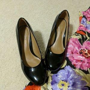 Clarks black patent leather heels